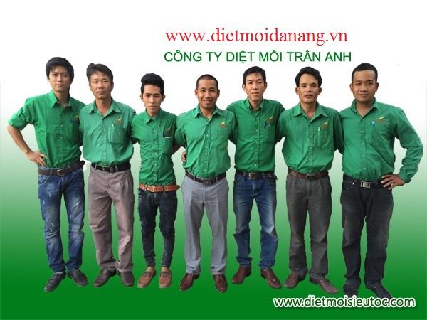Kỹ thuật viên của Cty <span class=search_replace>Diệt Mối</span> Trần Anh